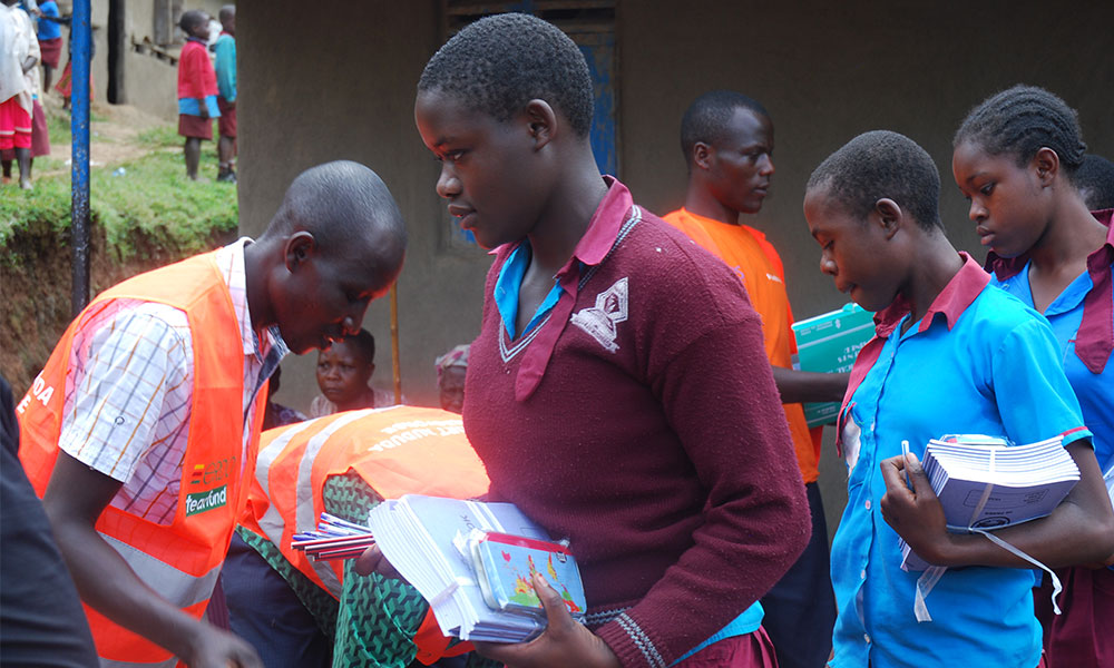 Pupils of Sume Junior School Overwhelmed By PAG Distribution of Items