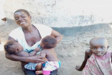 Ayen Nighty with her children